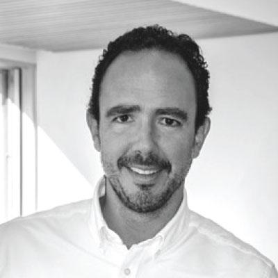 Ignacio Balda García es dentista en Madrid, en el barrio de Salamanca.